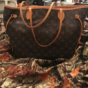 Louis Vuitton Bags - Louis Vuitton MM Neverfull